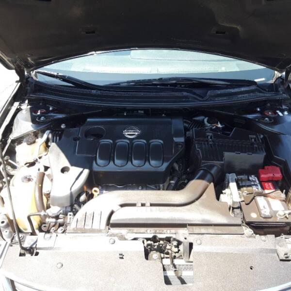 2011 Nissan Altima 2.5 S 4dr Sedan - La Crescenta CA
