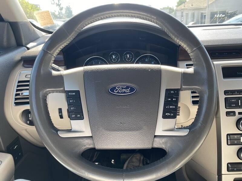 2010 Ford Flex SEL 4dr Crossover - La Crescenta CA