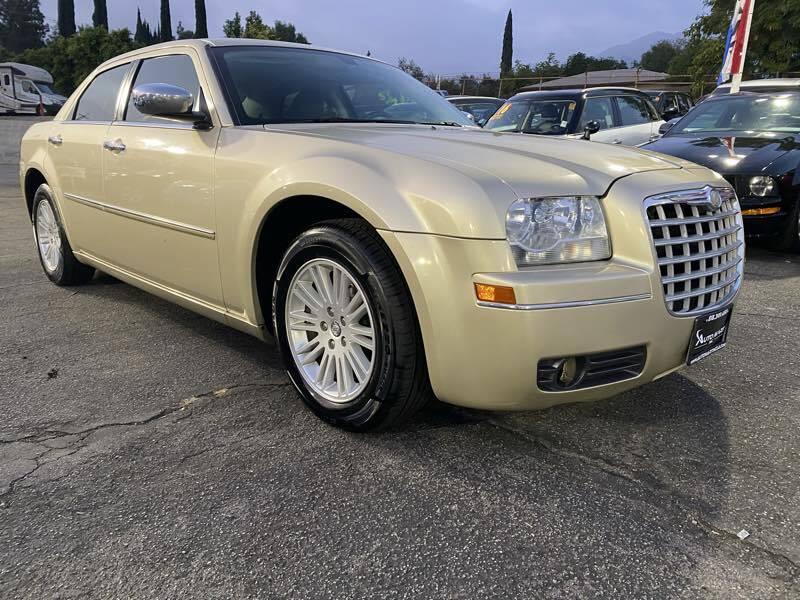 2010 Chrysler 300 Touring 4dr Sedan w/23E - La Crescenta CA