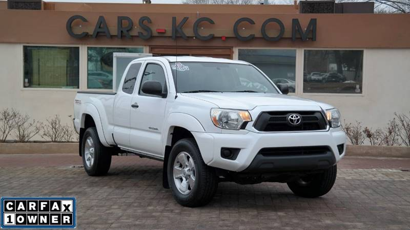 2013 Toyota Tacoma for sale at Cars-KC LLC in Overland Park KS