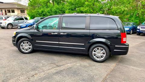 2008 Chrysler Town and Country for sale in Pawtucket, RI