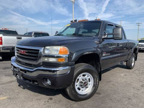 2005 GMC Sierra 2500HD for sale in Chenoa, IL
