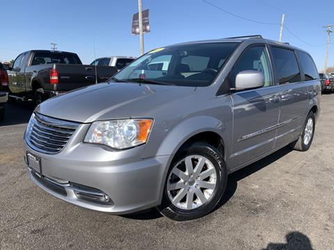 2014 Chrysler Town and Country for sale in Chenoa, IL