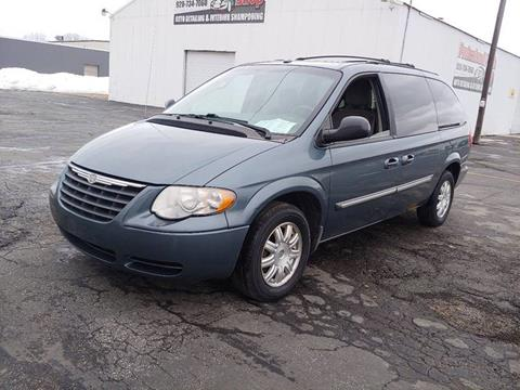 db38048c68c5dc 2006 Chrysler Town and Country for sale in Appleton
