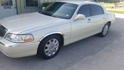 2005 Lincoln Town Car for sale at Haigler Motors Inc in Tyler TX