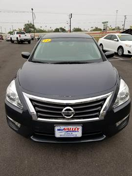 2015 Nissan Altima for sale at Mid Valley Motors in La Feria TX