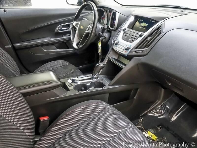 2017 Chevrolet Equinox (image 24)
