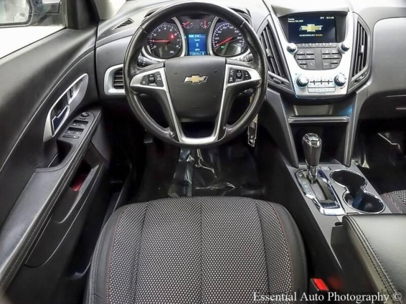 2017 Chevrolet Equinox (image 2)
