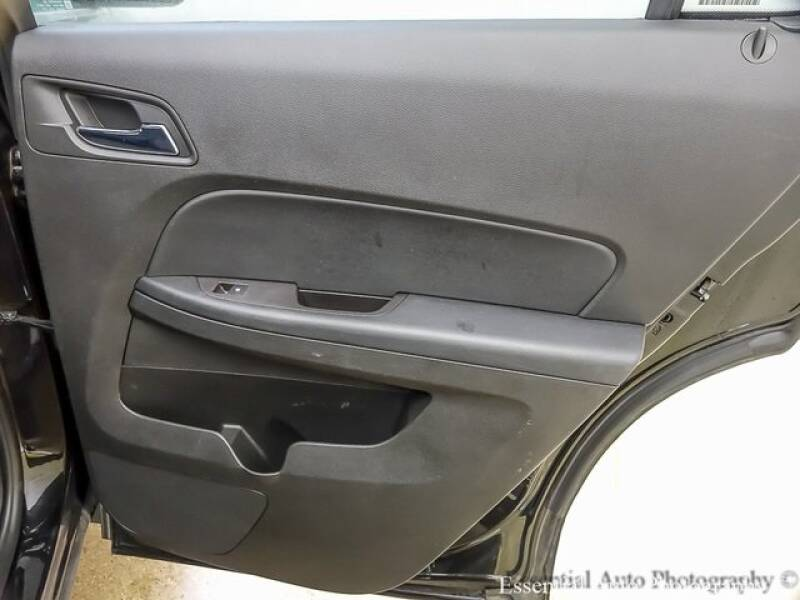 2017 Chevrolet Equinox (image 22)