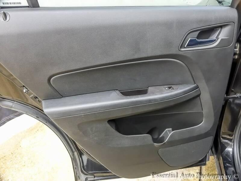 2017 Chevrolet Equinox (image 20)