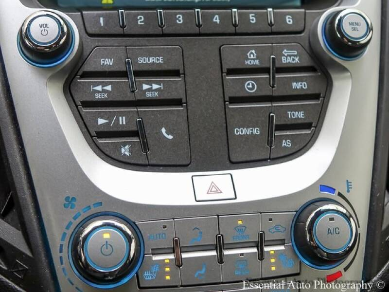 2017 Chevrolet Equinox (image 16)