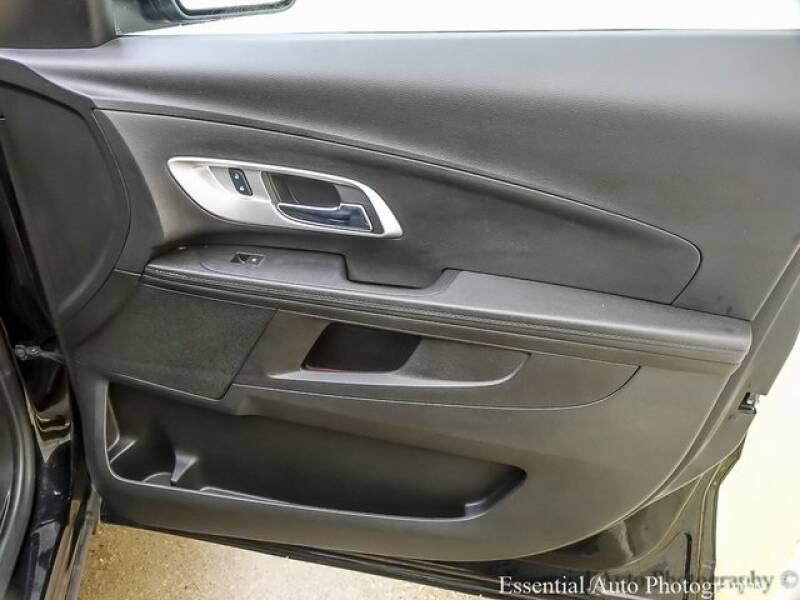 2017 Chevrolet Equinox (image 23)