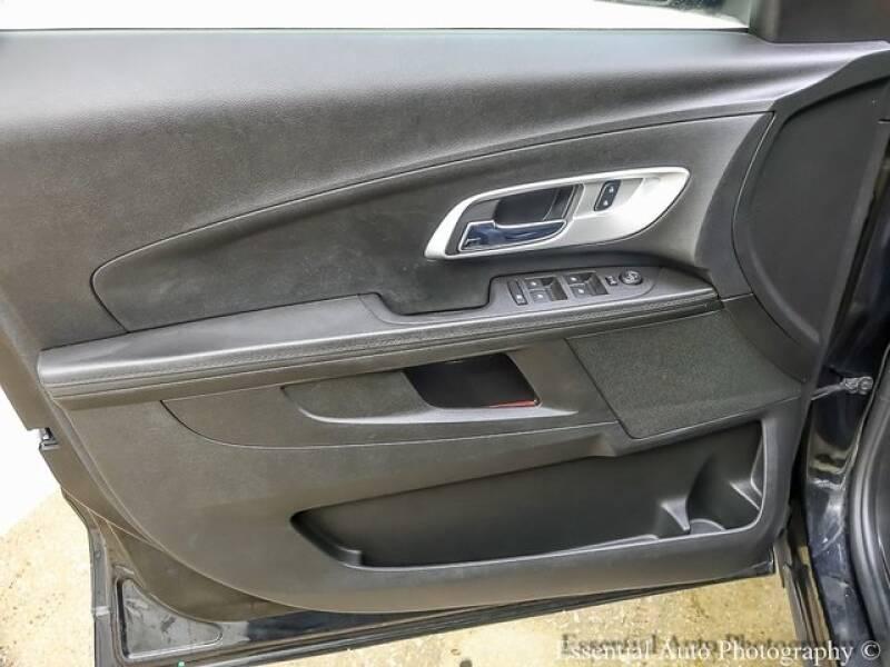 2017 Chevrolet Equinox (image 19)
