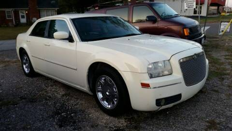 2005 Chrysler 300 for sale at AFFORDABLE DISCOUNT AUTO in Humboldt TN