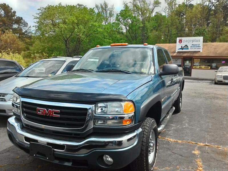 2006 GMC Sierra 2500HD for sale at Lakeview Motors in Clarksville VA
