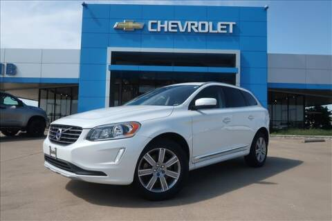 2017 Volvo XC60 for sale at Lipscomb Auto Center in Bowie TX