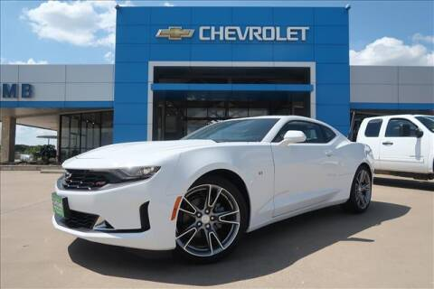 2020 Chevrolet Camaro for sale at Lipscomb Auto Center in Bowie TX