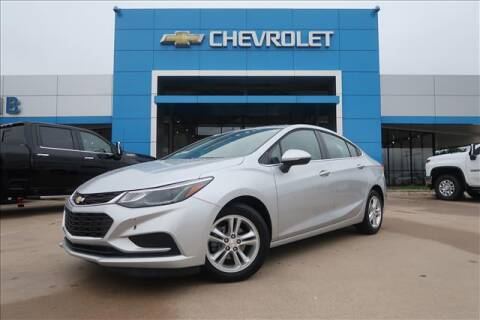 2018 Chevrolet Cruze for sale at Lipscomb Auto Center in Bowie TX