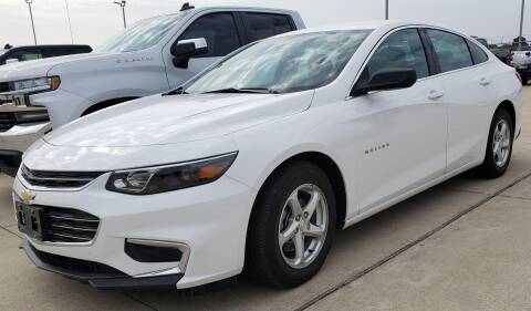 2018 Chevrolet Malibu for sale at Lipscomb Auto Center in Bowie TX