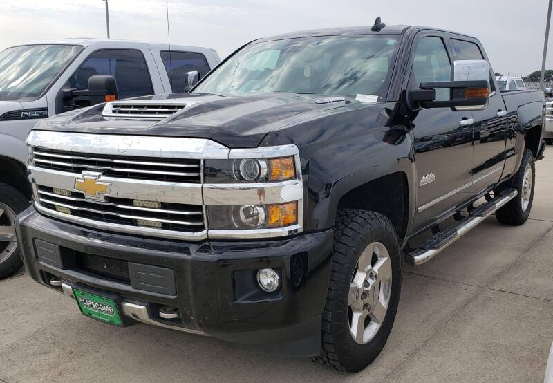 2017 Chevrolet Silverado 2500HD for sale at Lipscomb Auto Center in Bowie TX
