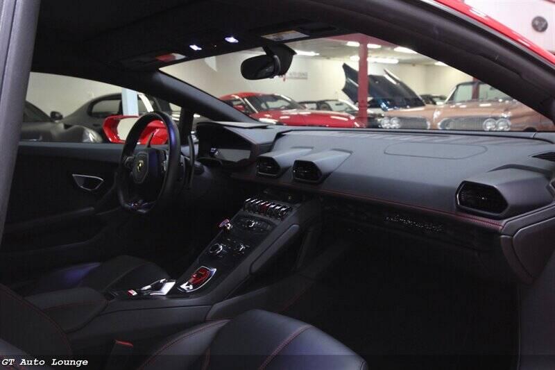 2016 Lamborghini Huracan 30