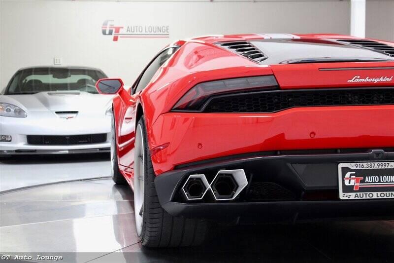 2016 Lamborghini Huracan 11