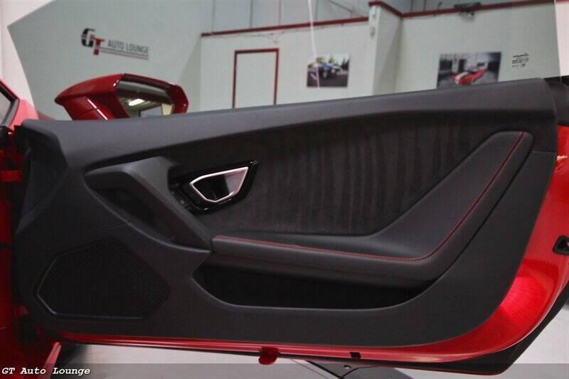 2016 Lamborghini Huracan 33