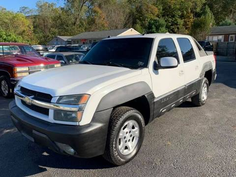 2004 Chevrolet Avalanche for sale at INTERNATIONAL AUTO SALES LLC in Latrobe PA
