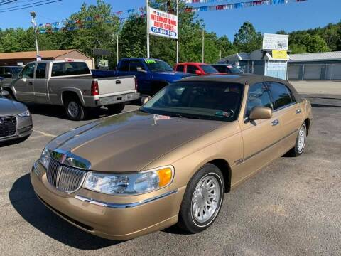 1998 Lincoln Town Car for sale at INTERNATIONAL AUTO SALES LLC in Latrobe PA