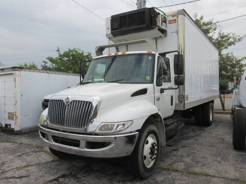 2004 International DuraStar 4300 for sale at BROADWAY FORD TRUCK SALES in Saint Louis MO