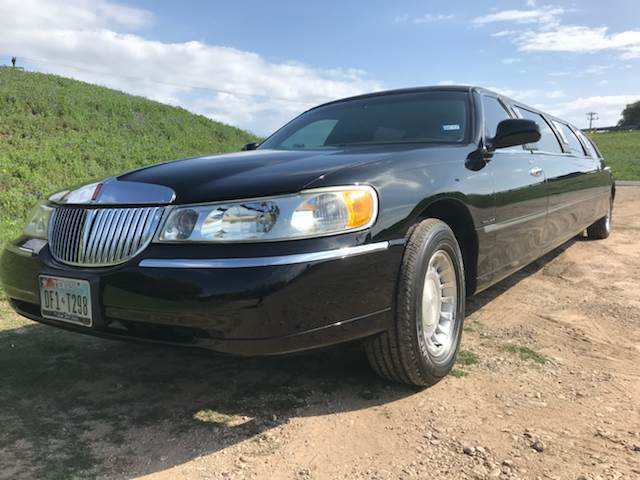 2000 Lincoln Town Car for sale at Mafia Motors in Boerne TX