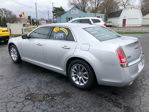 2012 Chrysler 300 for sale in Flint, MI