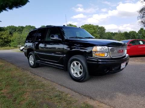 2004 GMC Yukon for sale at Shores Auto in Lakeland Shores MN