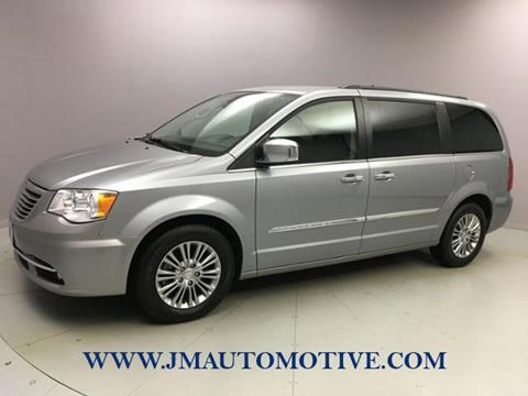 2015 Chrysler Town and Country for sale in Naugatuck, CT