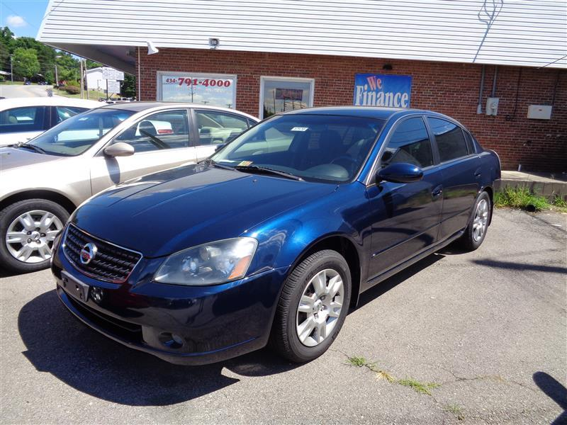2005 nissan altima 2 5 s in danville va auto villa. Black Bedroom Furniture Sets. Home Design Ideas