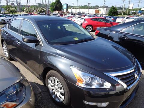 2015 Nissan Altima for sale at Auto Villa in Danville VA