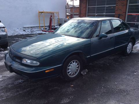 1998 Oldsmobile Eighty-Eight for sale in Milwaukee, WI