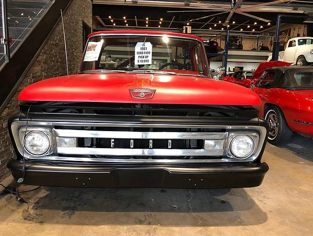 1961 Ford F-100 (image 2)