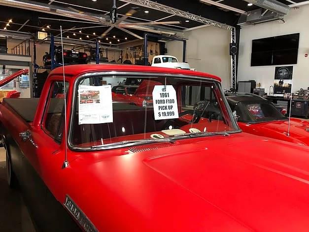 1961 Ford F-100 (image 3)