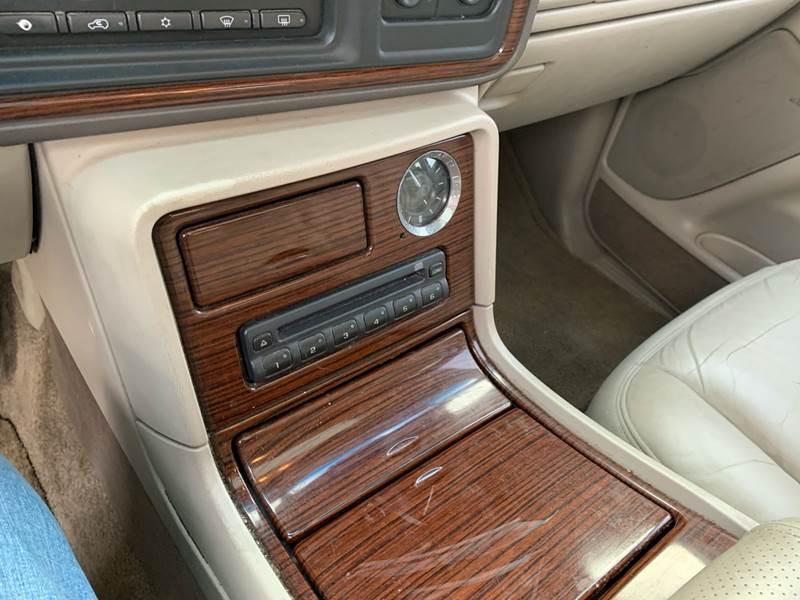 2003 Cadillac Escalade (image 21)