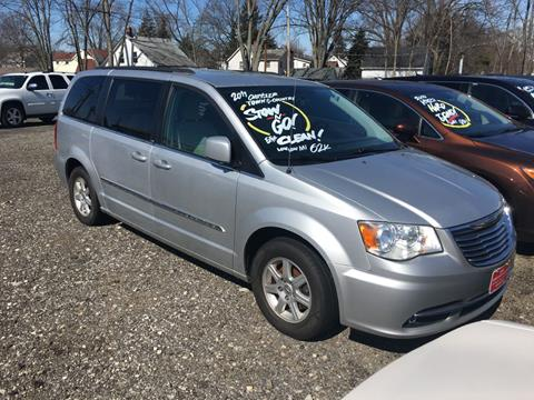c2aa2fe715 2011 Chrysler Town and Country for sale at Elyria Budget Auto Sales in Elyria  OH