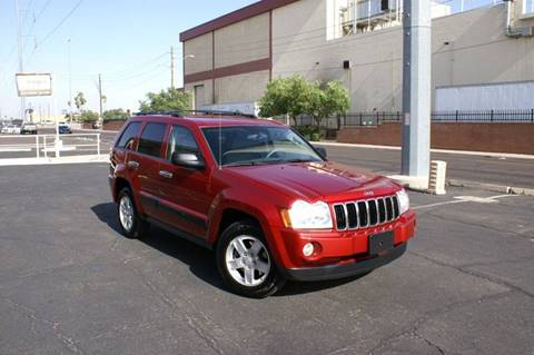 2005 Jeep Grand Cherokee for sale at EXPRESS AUTO GROUP in Phoenix AZ