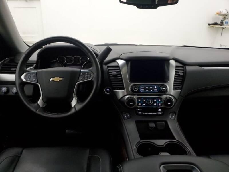 2016 Chevrolet Tahoe LT (image 23)