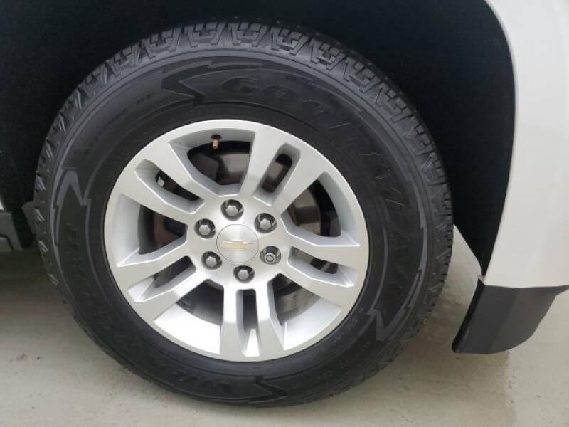 2016 Chevrolet Tahoe LT (image 31)