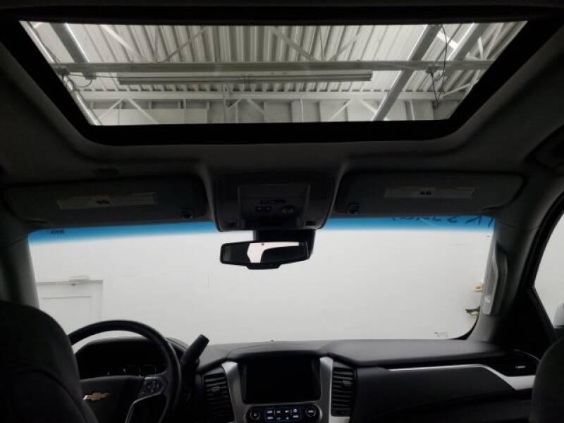 2016 Chevrolet Tahoe LT (image 24)