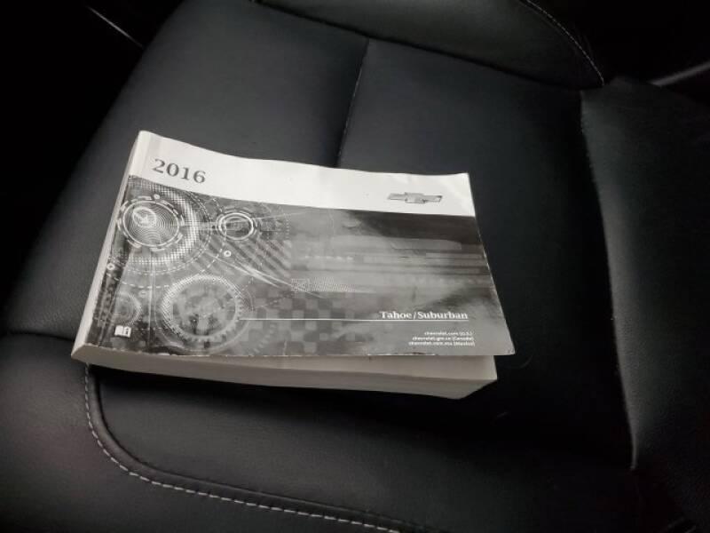 2016 Chevrolet Tahoe LT (image 37)