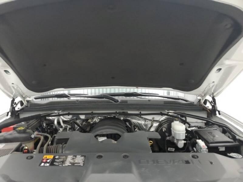 2016 Chevrolet Tahoe LT (image 29)