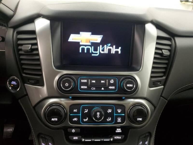 2016 Chevrolet Tahoe LT (image 14)
