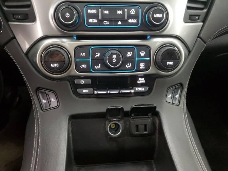 2016 Chevrolet Tahoe LT (image 19)