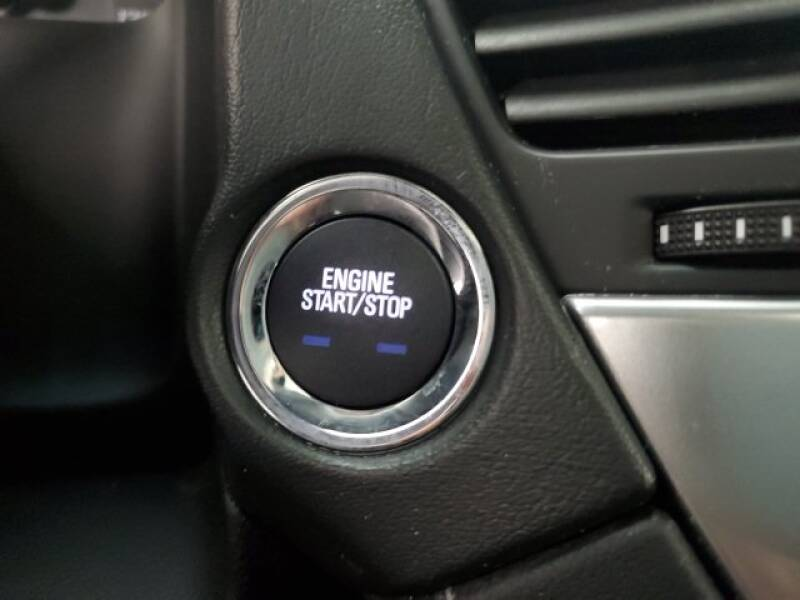 2016 Chevrolet Tahoe LT (image 12)